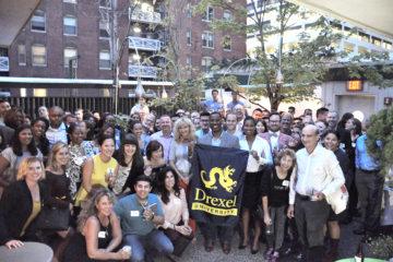 group photo of Drexel Alumni in Philadelphia